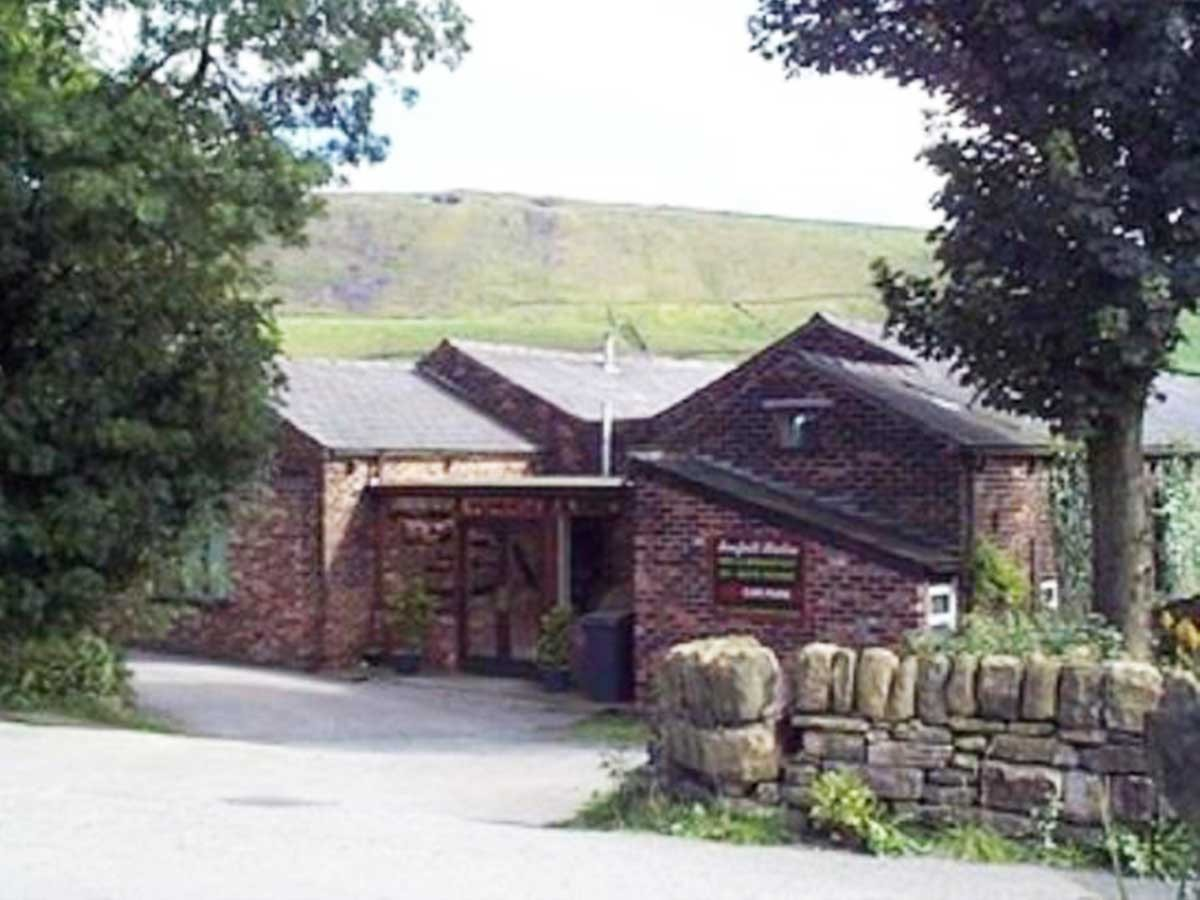 Sunfield Stables, Diggle